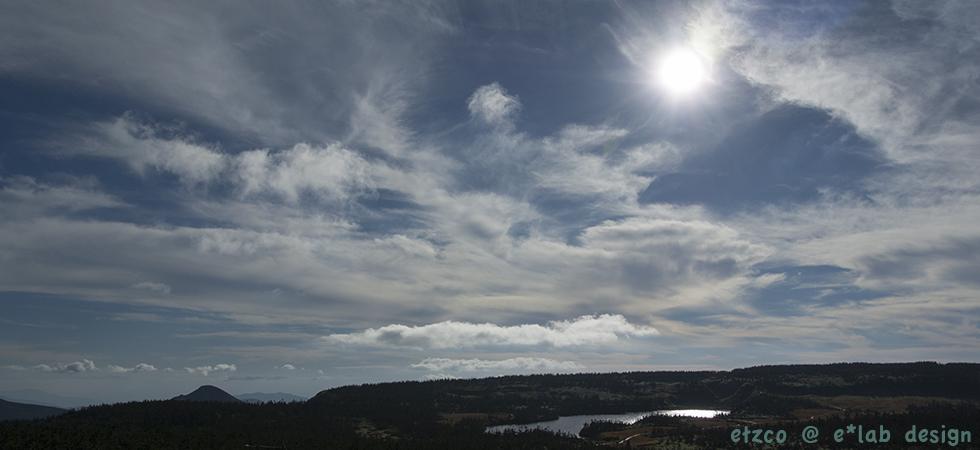 八幡平から眺めた岩手山(秋)